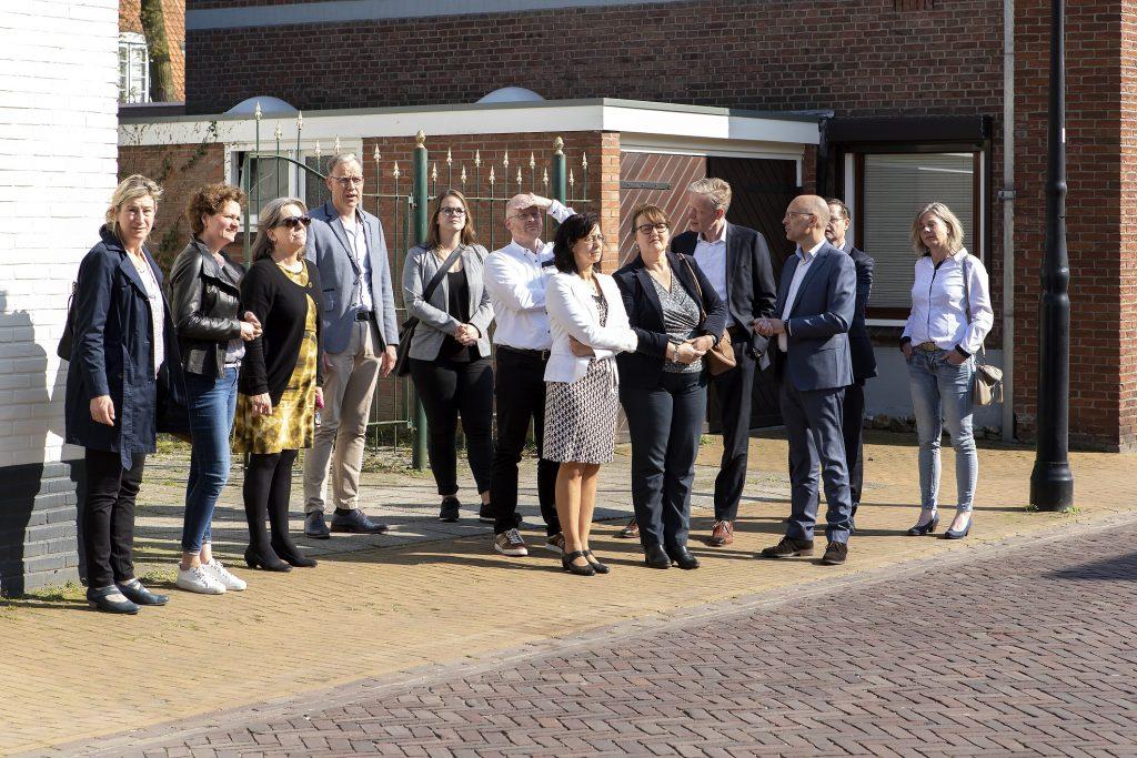ZZP'ers op pad door Delden met burgemeester en wethouders